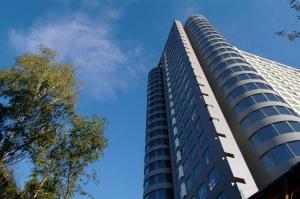 Устремленность вверх - характерная архитектурная черта комплекса